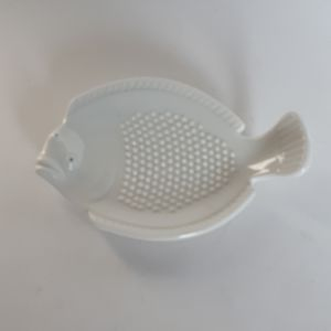 Joyce Chen Japan Kitchen Tool Garlic Grater White